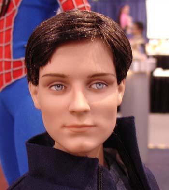Muñeca o figura de acción con increíble parecido Tobey Maguire