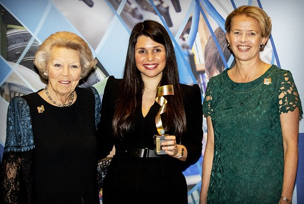 The winner of this year was Maja Rudinac from Robot Care Systems. Princess Beatrix and Princess Mabel at Asml in Veldhoven