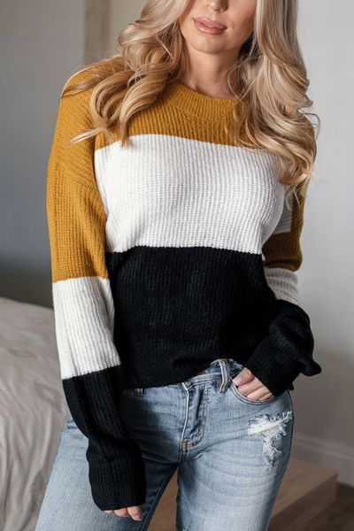 Winter is a great time to step up your personal style. See these 24 Trendy Winter Fashion Ideas for Not So Cold Days. Winter Outfit Ideas for Women via higiggle.com #winter #fashion #sweater