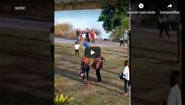 https://www.ahnegao.com.br/2019/09/sonic-e-flagrado-fazendo-a-corrida-naruto-em-porto-alegre-e-choca-fas.html