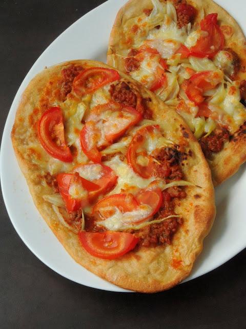 Vegetarian Naanizaa, Soya Kheema Naanizza