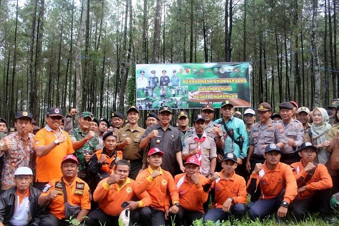 Aksi Tanam Pohon, Pemkab Mojokerto Peduli Lingkungan