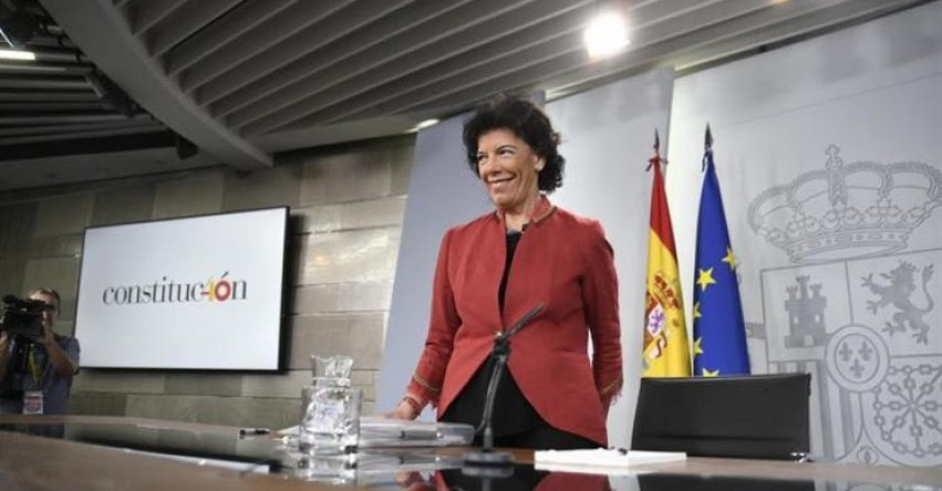 Ministra de Educación de España desautoriza informes sobre el adoctrinamiento en colegios de Cataluña