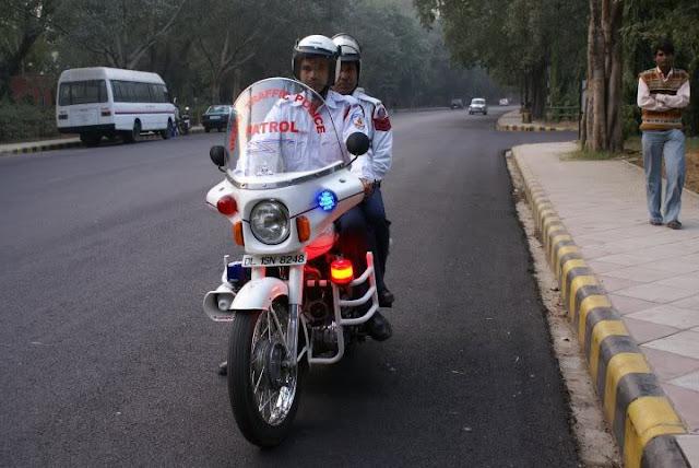 पुलिसकर्मी ने तोड़ा ट्रैफिक नियम तो वसूला जाएगा डबल जुर्माना - newsonfloor.com