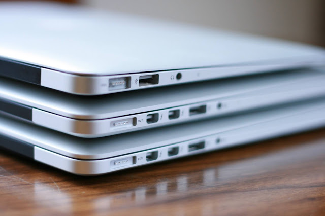 Menaruh Benda Di Atas Laptop - Kebiasaan Sehari-Hari Yang Merusak Laptop