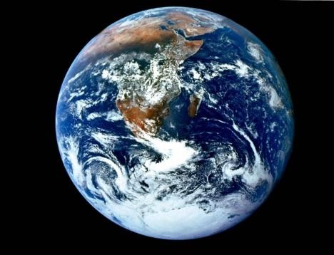 Planeta Terra visto do espaço. #PraCegoVer
