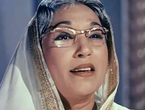 दशक कि प्रसिद्ध चरीत्र अभिनेत्री ललिता पवार