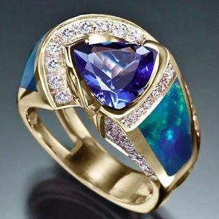 mẫu nhẫn vàng nam mặt đá xanh