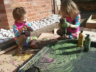 messy outdoor play