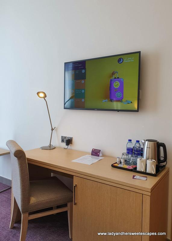Premier Inn Dubai room amenities