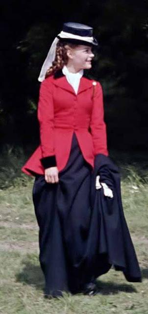 Sissi (Rommy Shineider) roupa equitação