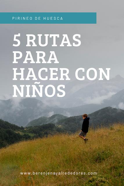 """Niño caminando por una ladera con las montañas del fondo envueltas en niebla y el texto """"Pirineo de Huesca. 5 rutas para hacer con niños"""""""