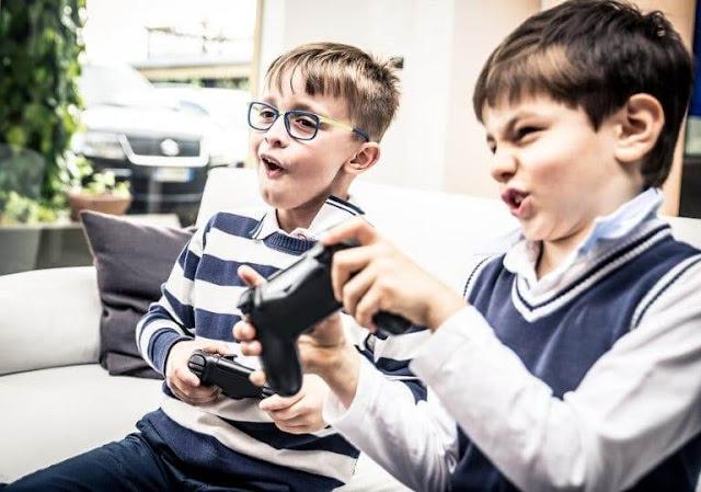 enfant-jouent-jeux-video