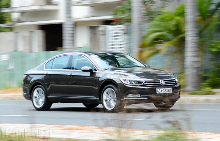 Giá còn 1,3 tỉ đồng, Volkswagen Passat 'uy hiếp' phân khúc sedan hạng D