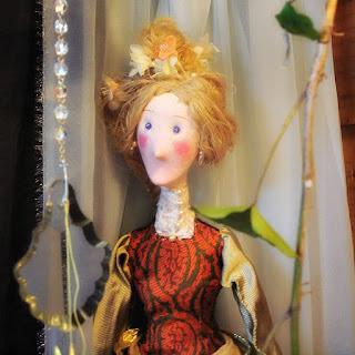 Exposição de Bonecos de Biscuit de Elton Manganelli - A Madame de Pérolas