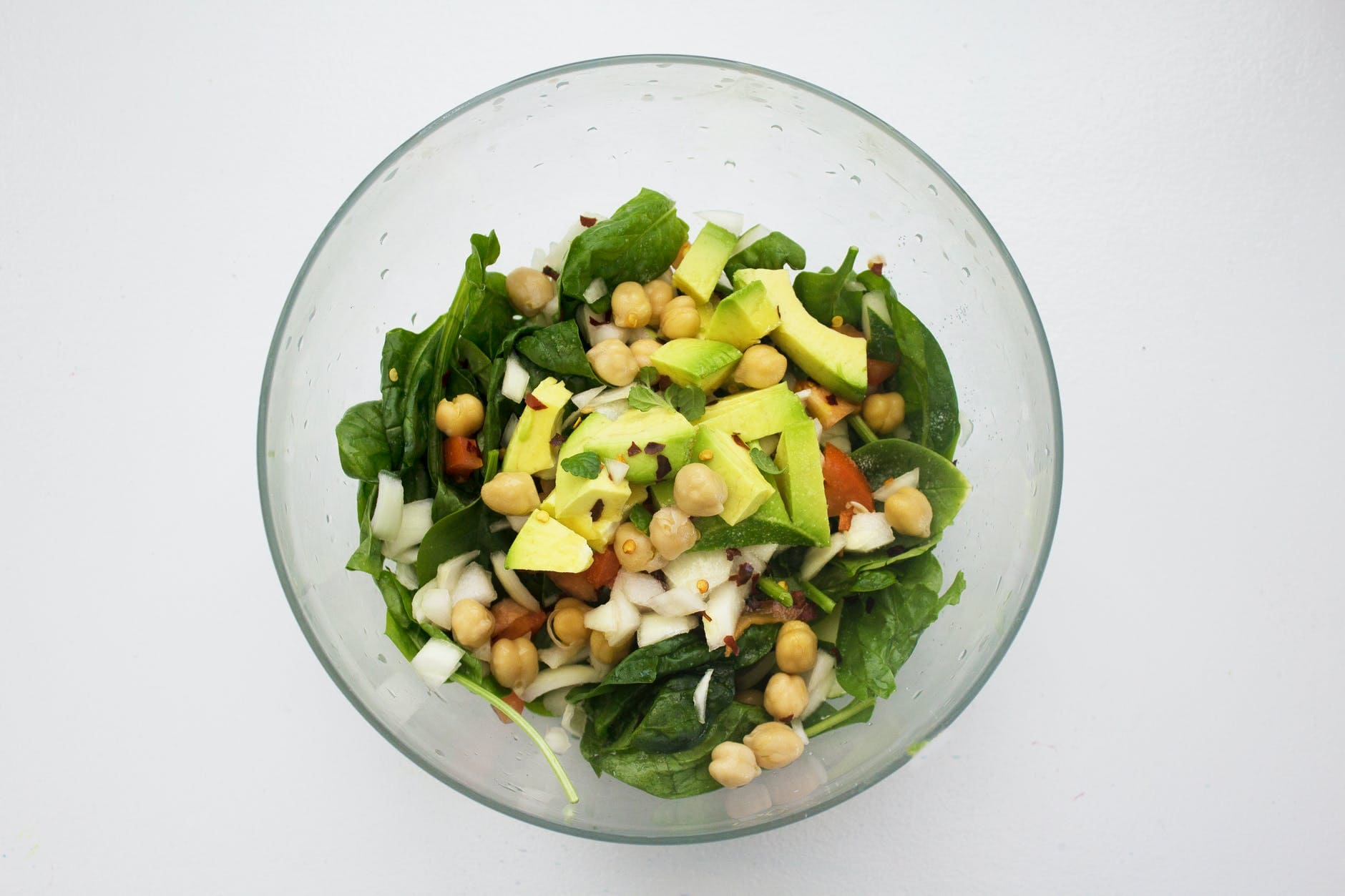 How to make chickpea salad with vegetables