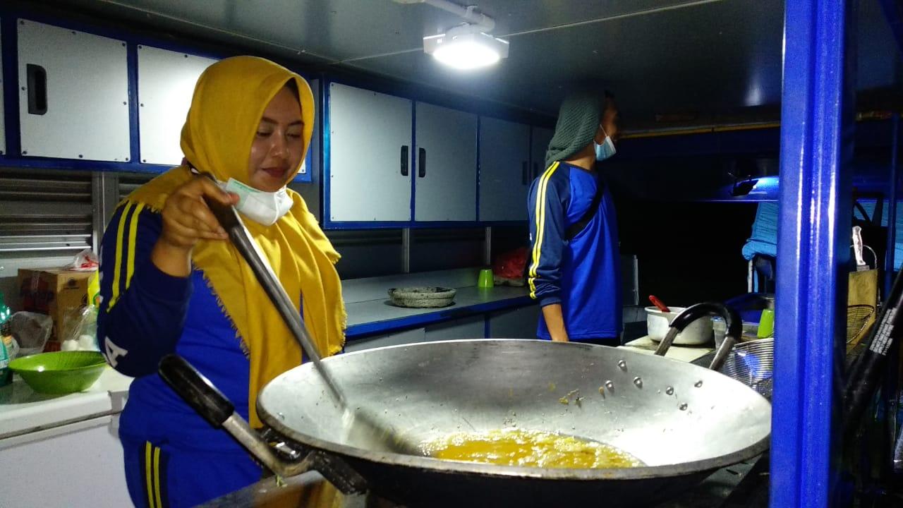 Dapur Umum Didirikan untuk Penuhi Kebutuhan Pangan Pengungsi