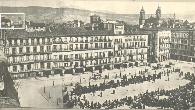 Revista de tropas en la plaza del Castillo