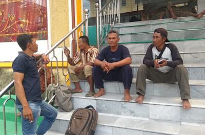 Adukan Sertifikat Bodong, Warga Rawajitu Datangi LBH Bandar Lampung