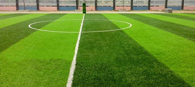 Sân bóng đá trường THPT Tây Hồ