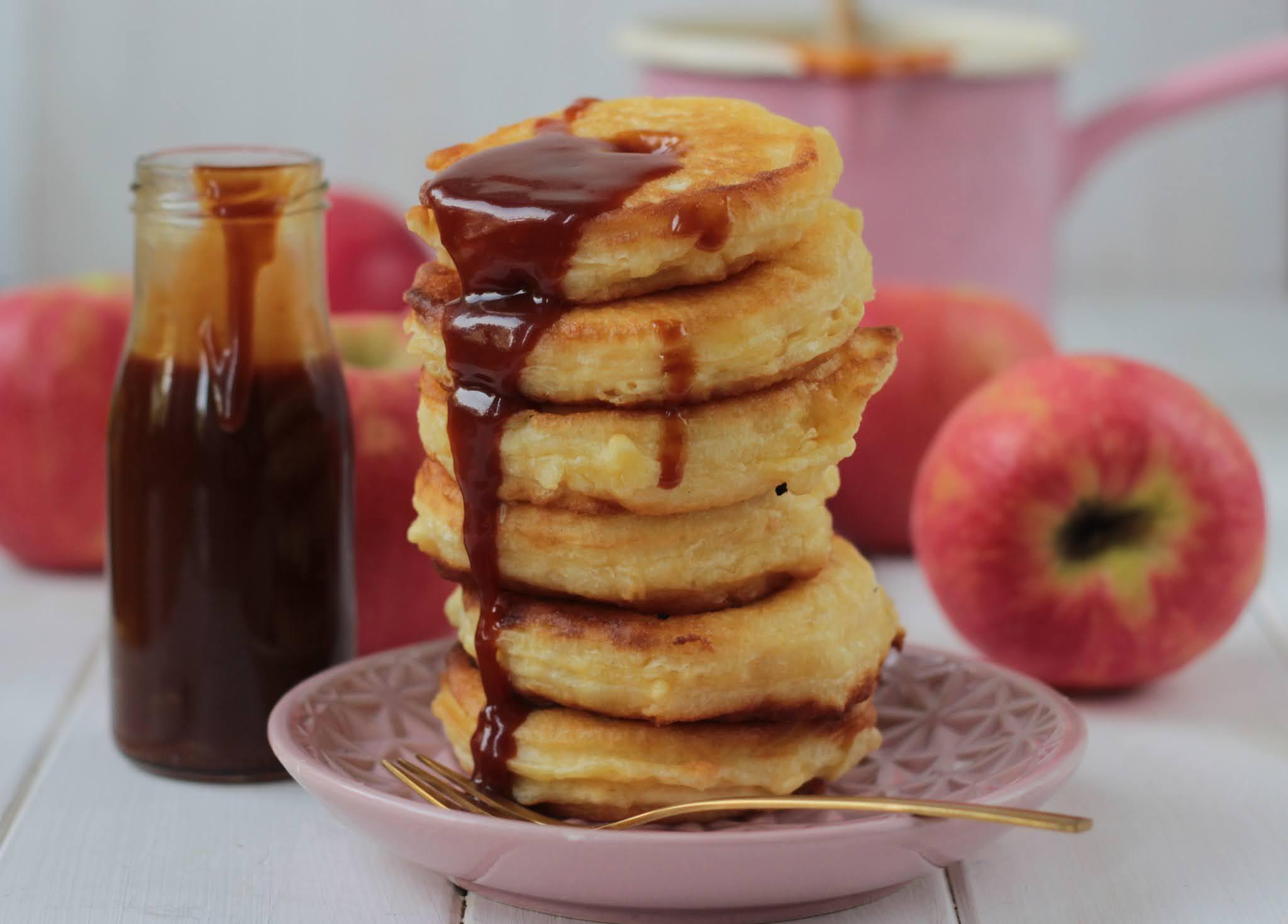 (ANZEIGE) Gebackene Apfelringe mit BUTARIS Butterschmalz und gesalzender Karamellsoße