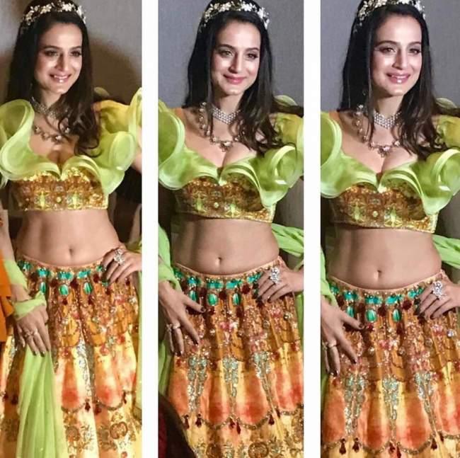 ameesha patel latest sexy photo