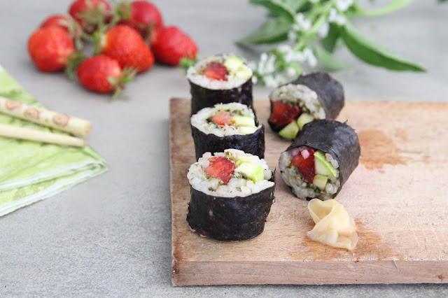Cuillère et saladier : Makis de printemps : fraises, pesto, courgette