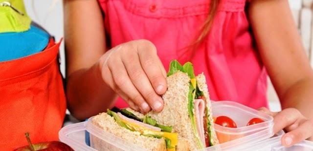 Θεσσαλονίκη: Ξανά χωρίς σχολικά γεύματα 30.000 μαθητές δημοτικών σχολείων