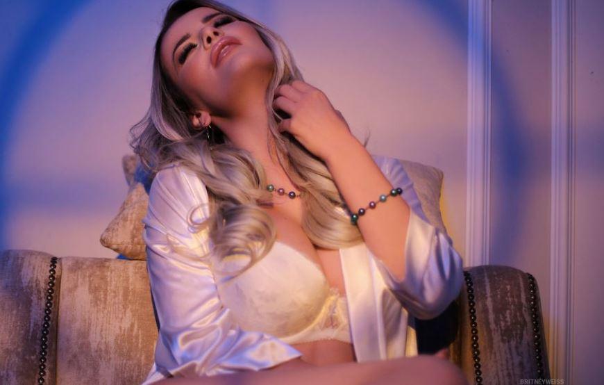https://www.glamourcams.live/es/chat/BritneyWeiss