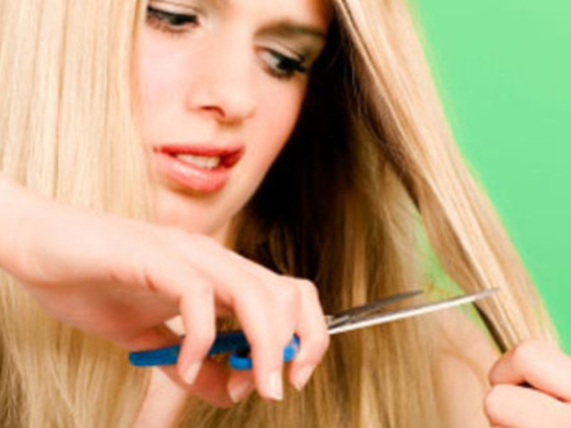 How To Remove Split Ends Naturally At Home
