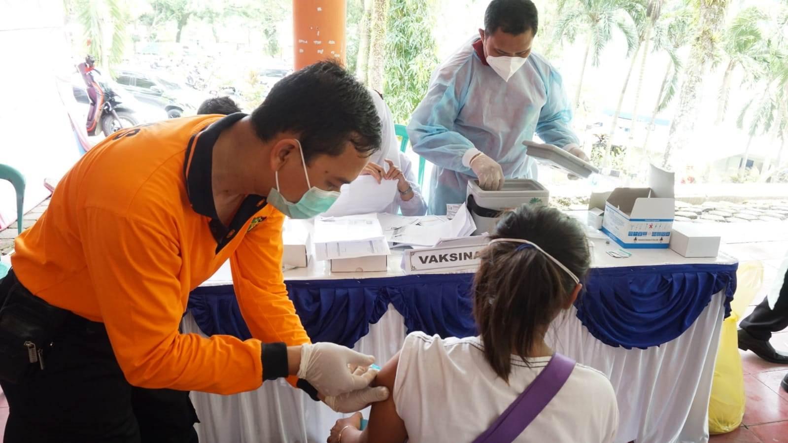 Kejar Herd Immunity, Pemprov Jateng Suntikan 1,6 Juta Vaksin per Pekan