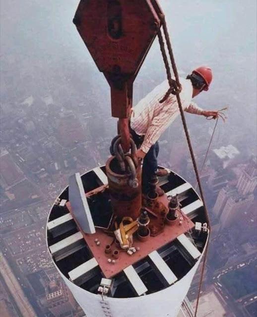 Fotografías de la instalación de la antena del World Trade Center en 1978