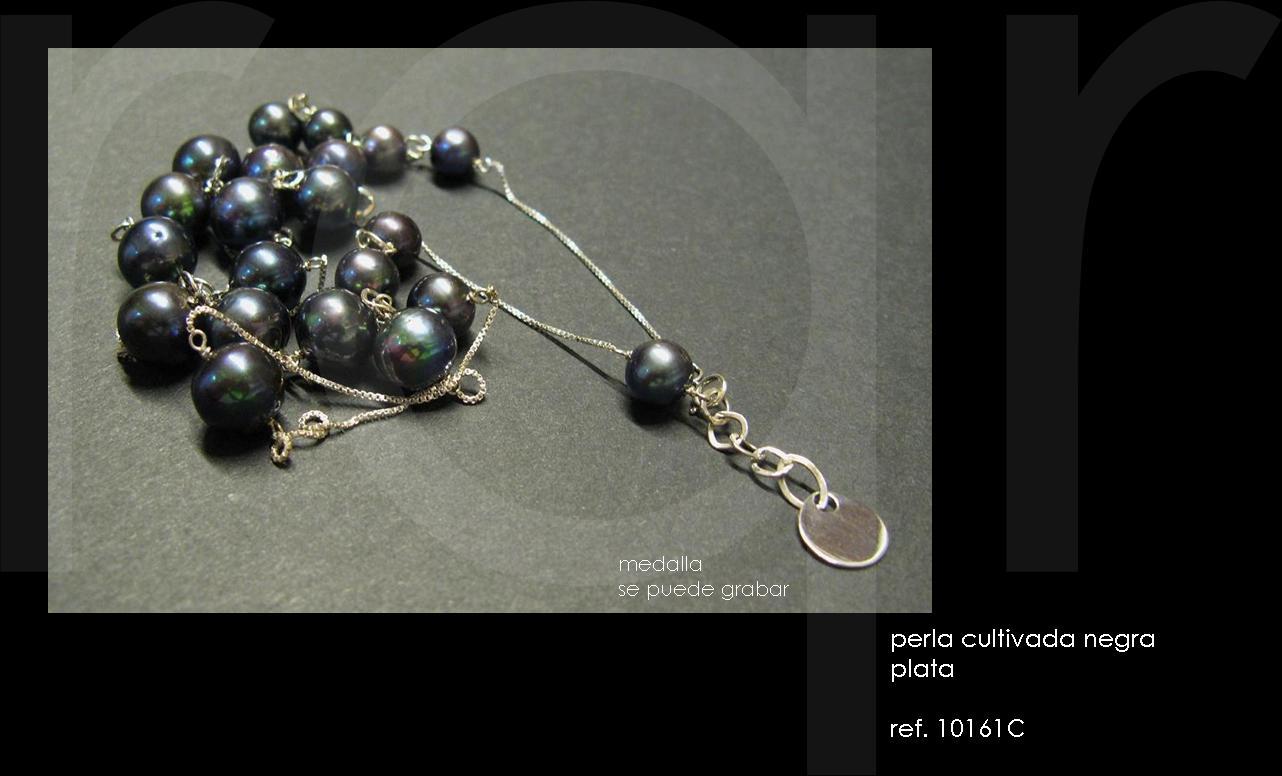 2e8a1add3ccf perlas negras engarzadas entre una cadena de plata muy pero que muy fina