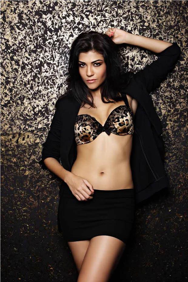 archana vijaya bikini photoshoot cleavage thighs showing