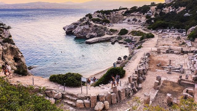 Ηραίο Περαχώρας Λουτρακίου: Η μαγική αίσθηση να κολυμπάς με θέα αρχαία μνημεία (βίντεο)