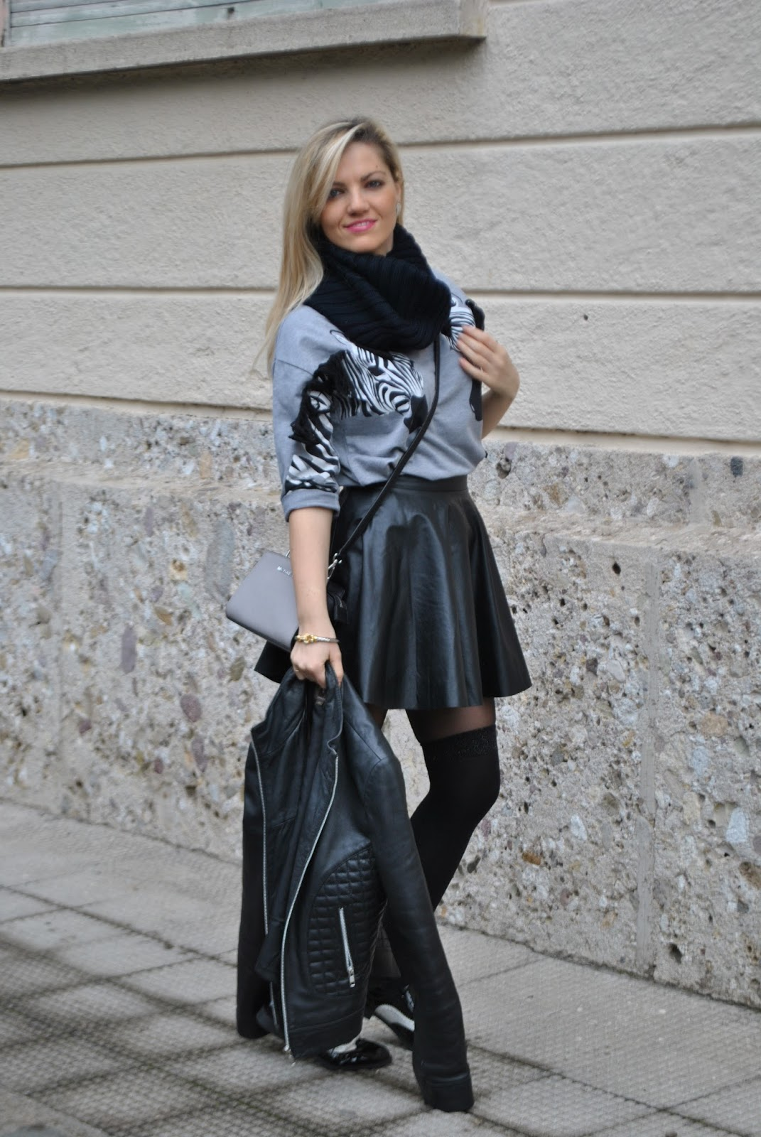 spesso Color-Block By FelyM.: OUTFIT: BLACK LEATHER SKIRT - COME ABBINARE  PL14
