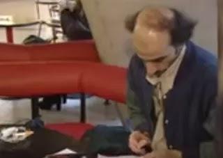 لماذا عاش السيد مهران 18 عام في المطار بباريس