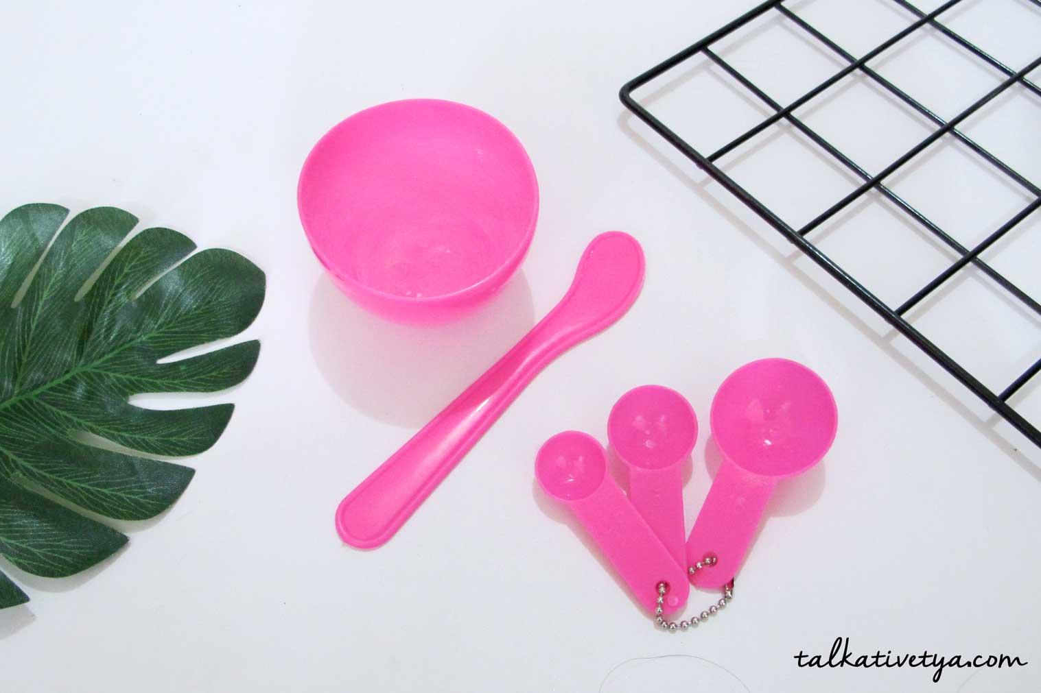 mangkuk masker spatula dan sendok takar