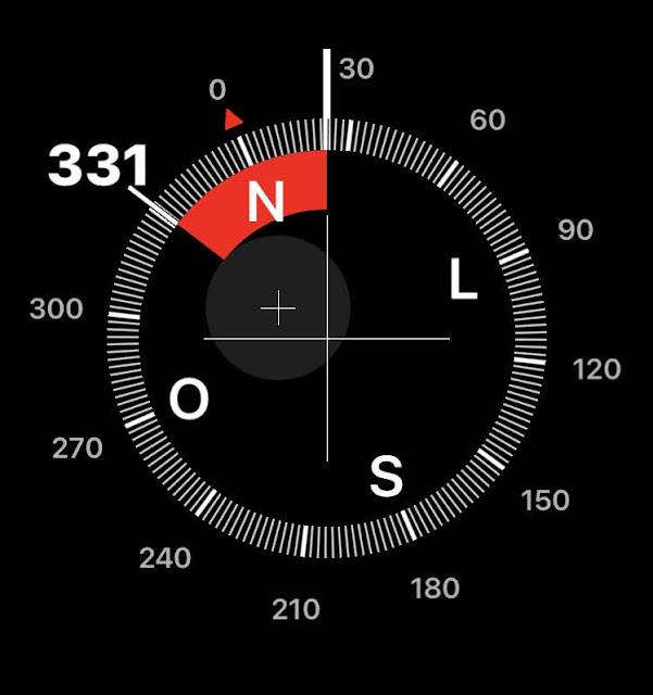 A foto mostra a bússola o cérebro do  GPS para orientar o homem em suas idas e vindas neste mundo.