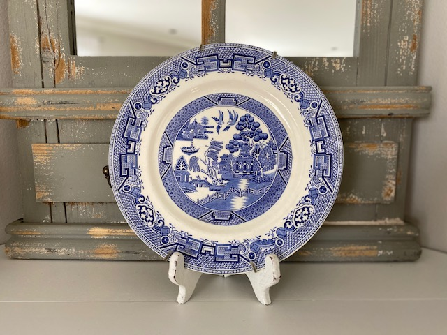 blue willow plate easel mantel