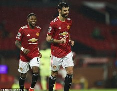 Sporting Lisbon to earn extra £4.2m from Manchester United if Fernandes wins PFA POTY