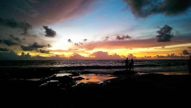 หาดนางทองยังมีจุดชมพระอาทิตย์ตกและวิวที่สวยมากๆแห่งหนึ่งในจังหวัดพังงา