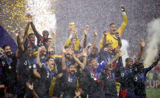 تتويج المتخب الفرنسي بطلاً لكأس العالم 2018 بعد تغلبه على نظيره الكرواتي