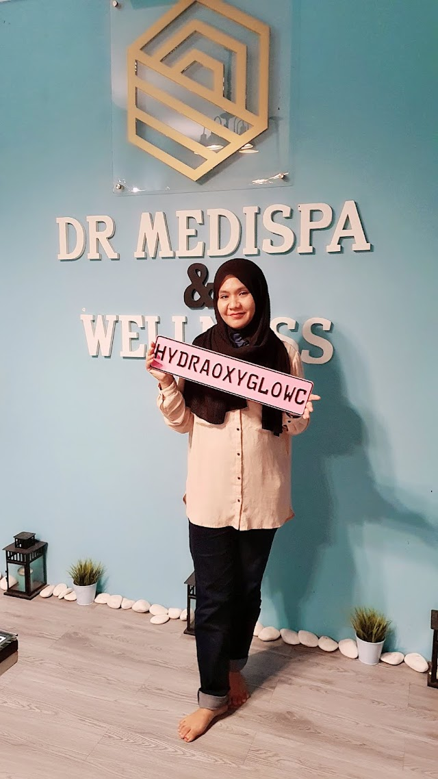 HydraoxyGlow C Treatment at Dr Medispa and Wellness.