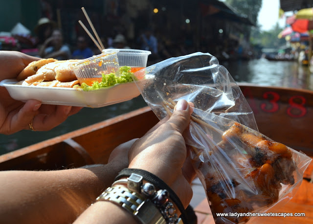 food in Damnoen Saduak floating market