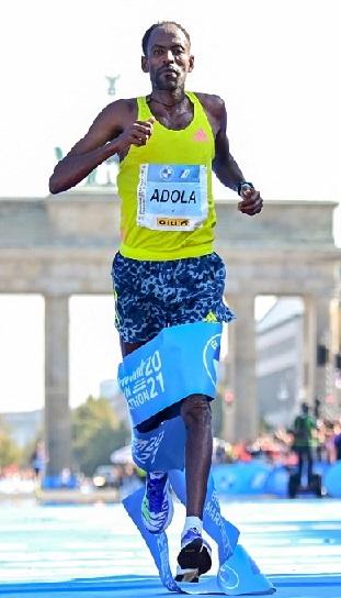 Etíope Guye Adola gana maratón de Berlín