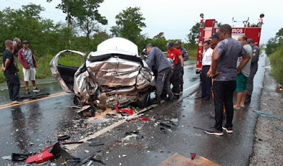 Acidente envolvendo dois veículos deixa idosa morta entre Catu e Pojuca