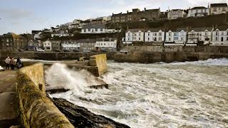 Megérkezett a vihar Nagy-Britanniába/75 ezer francia háztartásban nincs áram