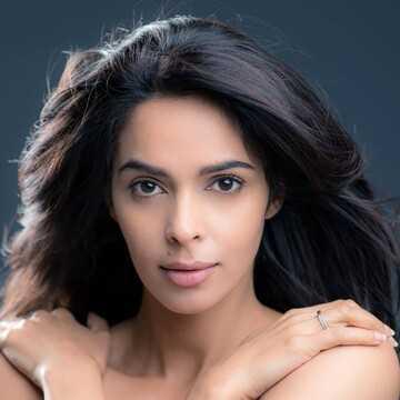 Mallika Sherawat Image