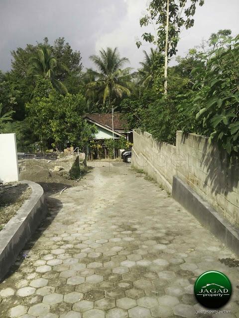 Rumah Minimalis dekat Kampus Mercubuana jl Wates Km 9,5